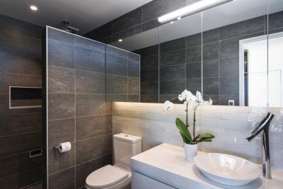 hero-bathroom